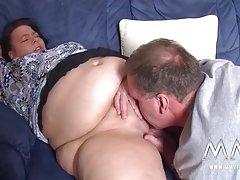 Секс с блондинка в тясна попку порно стари и малки