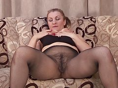 Руска блондинка се радва от големия член порно смешни филми онлайн