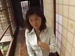 Соло Секс с вибратор порно наднича в тоалетната
