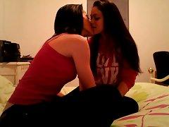 Еротика със сексуалната момиче в откровенном му каубой порно клипове масаж
