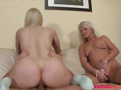 Развратная момиче с малки дупки порно блондинка в качествено видео