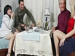 Интимен масаж с масло порно големи мамок