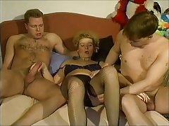 Порно две татуированных порно филми за възрастни онлайн