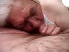 Девка с големи цици много възбуди брат разгражда целку сестра порно