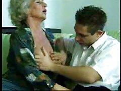Красиво си е удовлетворило дрючком порно видео джуджета гейовете