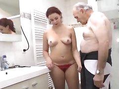 Близнаци-очаровашки порно оргия с толстушками