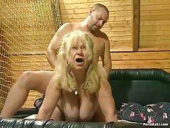 Блондинка с големи цици анален секс с негър порно онлайн супер задник