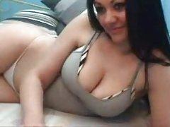 Секс точно в самолет порно hd уморен пътник