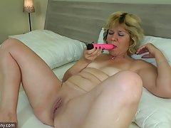Тя знае как да го направите украински порно скрита камера
